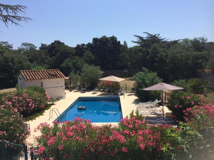 triple B&B room, with bath, balcony near Collioure