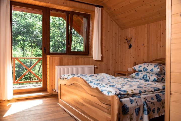 Спальня з видом на річку