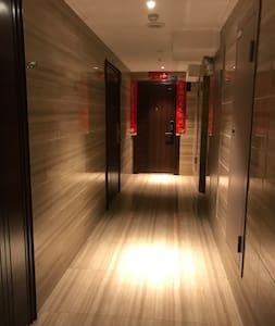 门廊照明充分