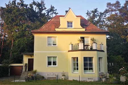 Separate Appartment in Villa with forest