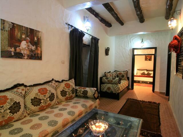 Berber cottage salon