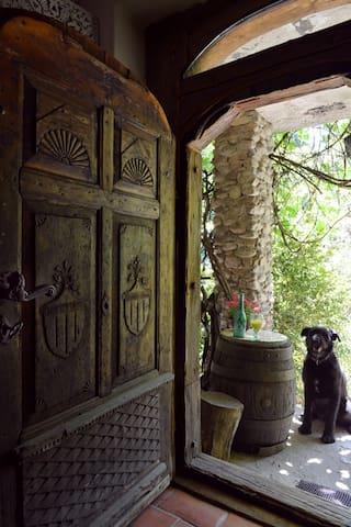Uroczysko Kepa - Rustic farmhouse in the forest
