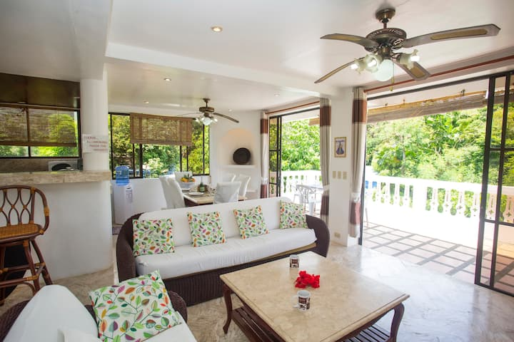 Franky Villa, Boracay mansion