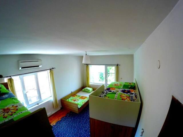 6 beds dormitory main floor + balcony