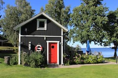 Cottage+on+Lake+V%C3%A4nern+beach+with+hot+tub+and+sauna