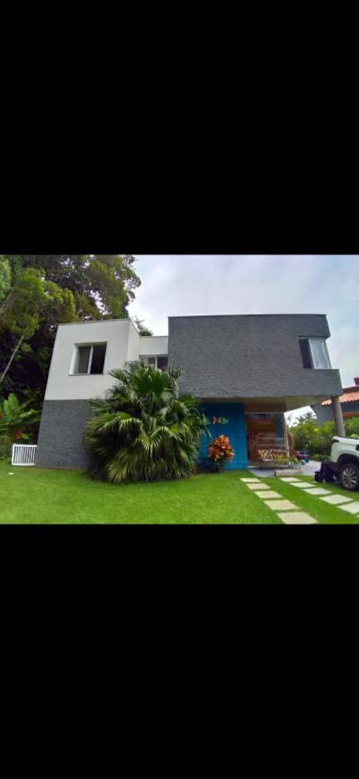 Casa alto padrão condomínio em Toque Toque pequeno