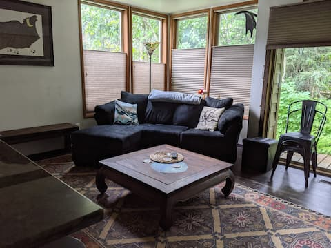 1BR Renovated Alyeska View Condo w/ Jetted Tub