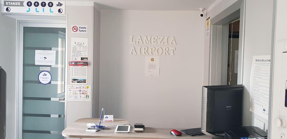 B&B LAMEZIA AIRPORT ST. 1  no breakfast