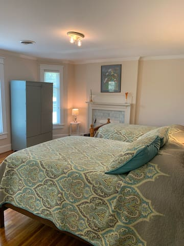 Full and Twin bedroom 3