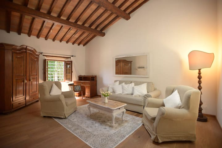 "B&B Torre di Badia-Room 2 ""Suite S. Caterina"""