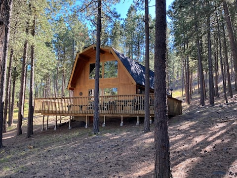Golden Summers Cabin Close to Lake Pactola! WIFI