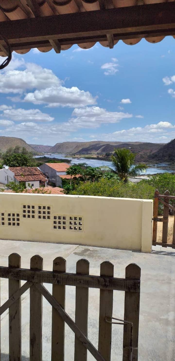 Aconchego casa amarela vista privilegiada p/ o rio