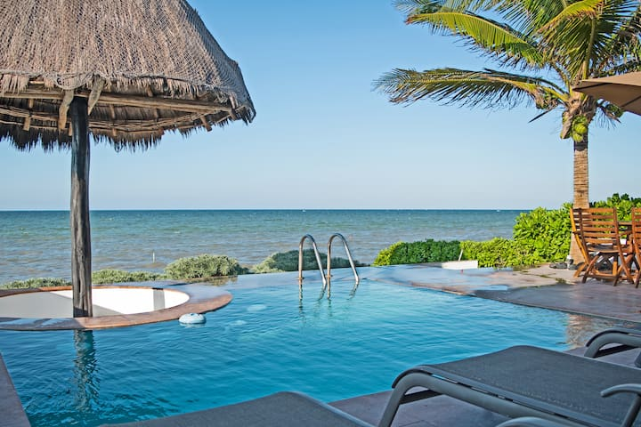 Punta Xa'an. Beachfront house//ACH catalog