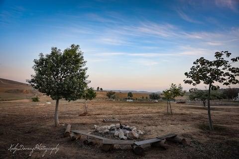 2Bdr | Peaceful Farm ★ Amazing Desert View ★