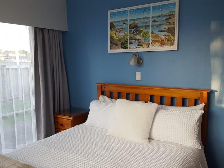 Cadence Bed & Breakfast - Room 2