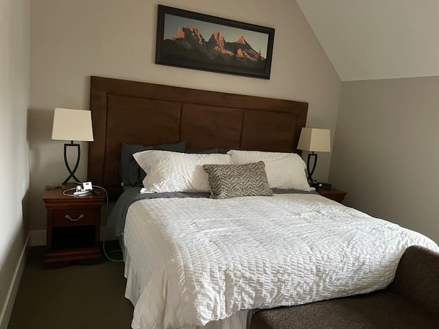 Primary Bedroom w/ King Bed