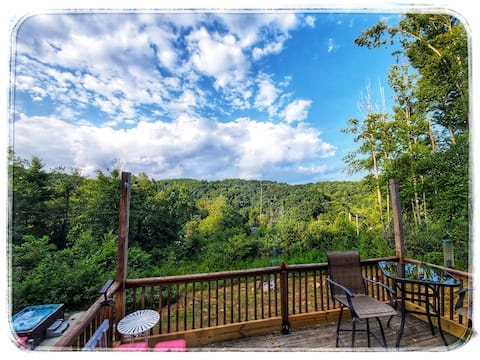 Tiny Home Cabin, Views, Hot Tub, Fire Pit, PRIVATE