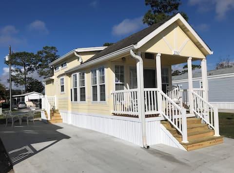 Sunny Tiny House Cottage nær alle attraksjoner!!