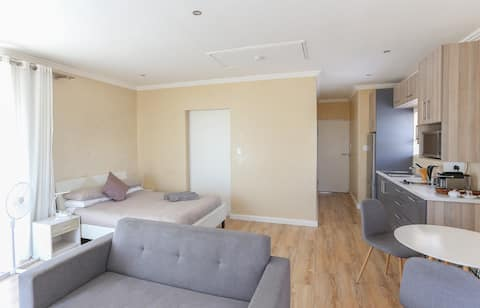 Modern Self Catering Studio Apartment