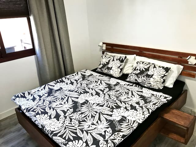 Schlafzimmer 1 - Bedroom 1 - Dormitorio 1