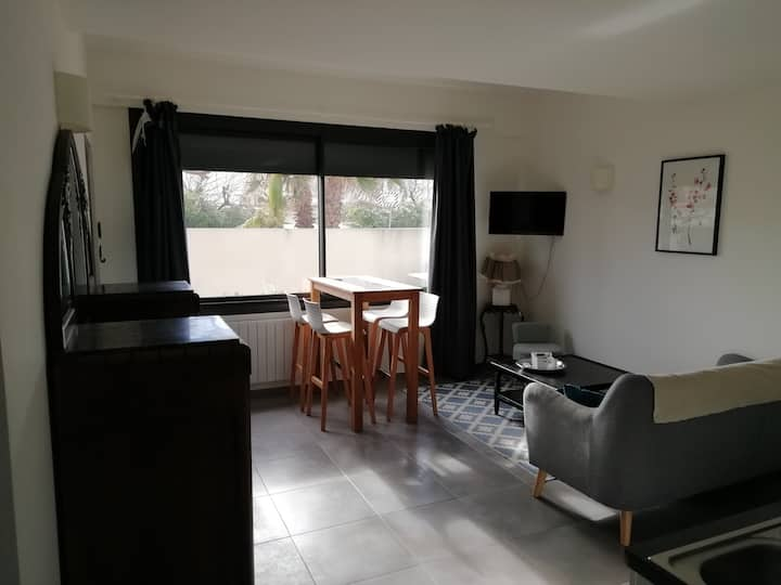 45m², Plage à 50m, Parking Grat, Terrasse privée