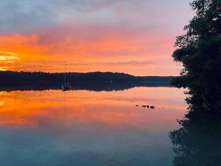 Enjoy Amazing Sunsets on Shimmering Sheep Pond