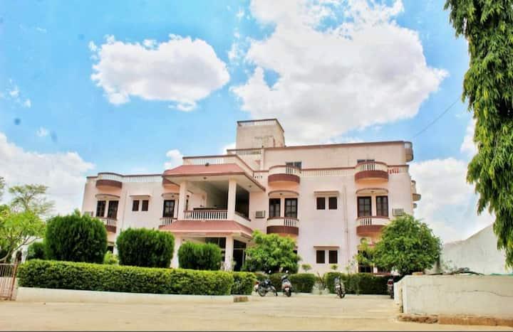 Royal  Home in Pushkar