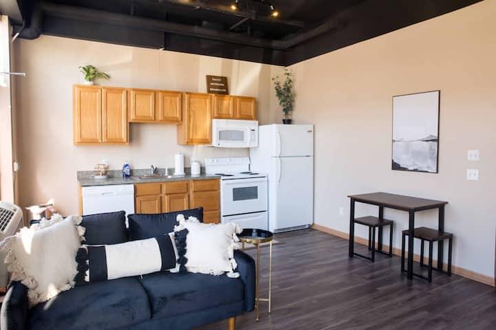 West Towne 2 Bed Studio Apartment