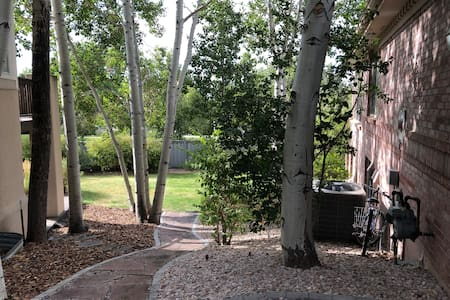 Pathway to backyard private entrance