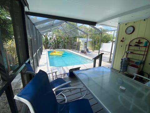 Own entrance, pool,no fees,5 miles to beach,bikes