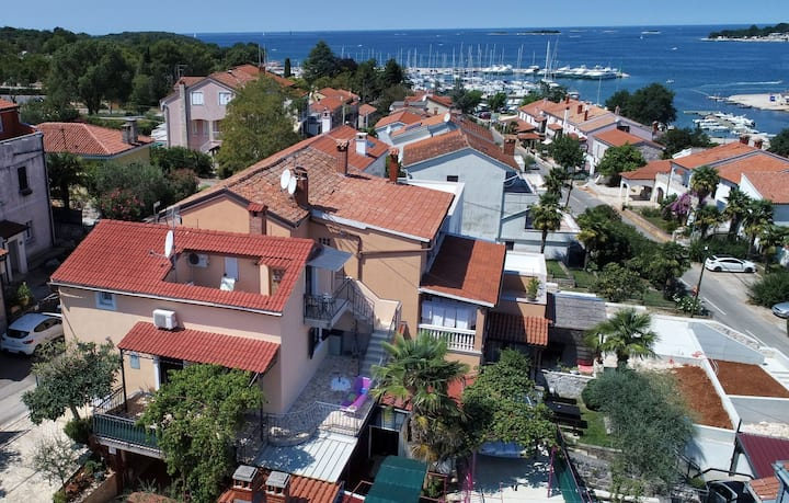 Studio app with sea view in Funtana