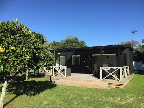 Twin Kauri Retreat  with Swimming Pool