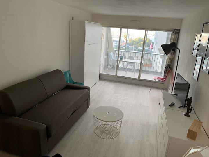 Studio Cosy sur le port + Parking + Wifi