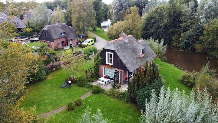 Holiday home in Wanneperveen near Giethoorn