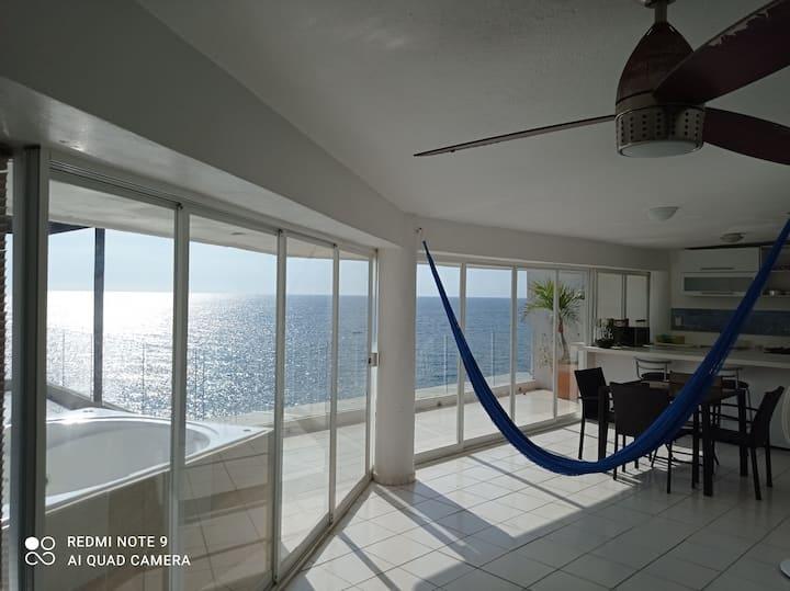 Suite Espectacular Vista al Mar 2 habs Jacuzzi