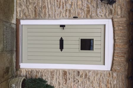 An extra-wide front door with 38 inch clearance.