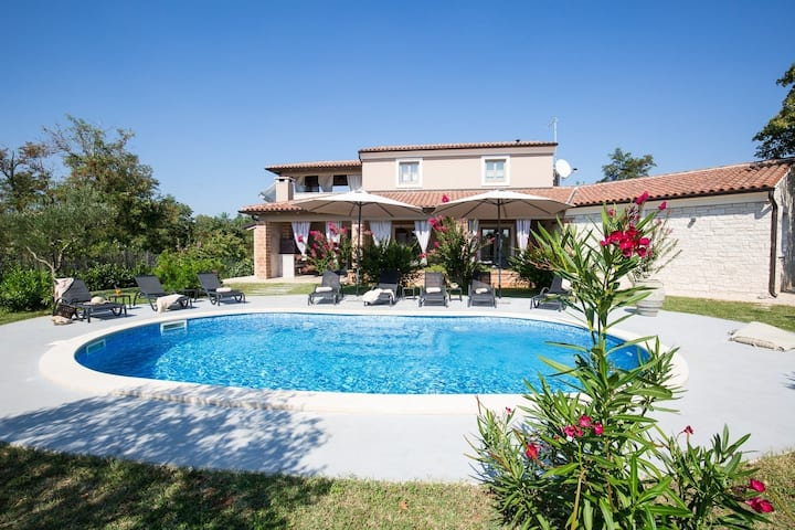 Villa Astarea, Croatia Luxury Rent