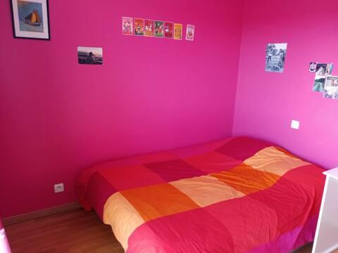 loue chambre rose de 10 m2