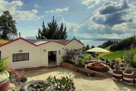 Casa de Campo Villa Blanca. (Casa completa)