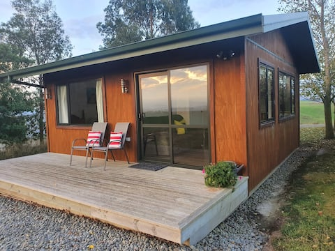Round Hill Cottage/stay on a farm close to Oamaru