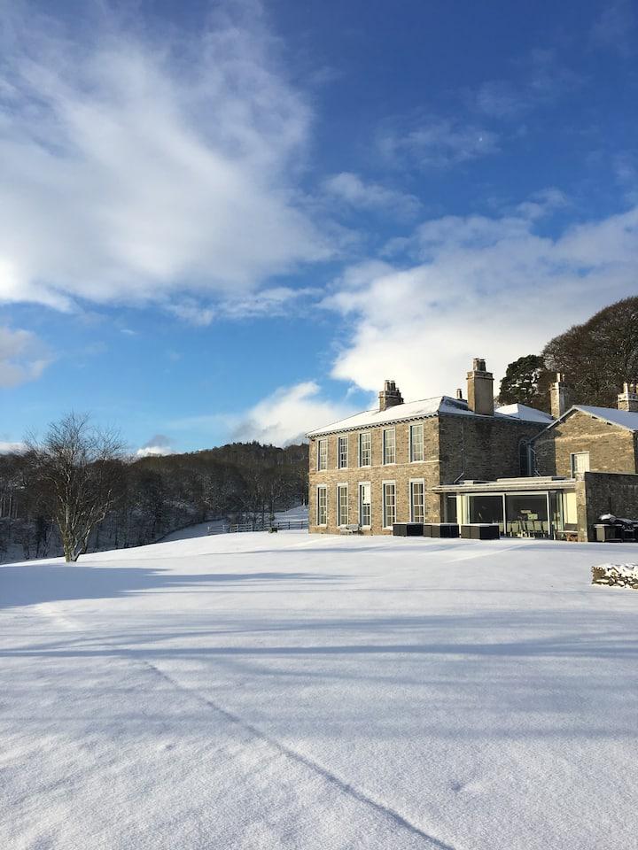 Silverholme Manor