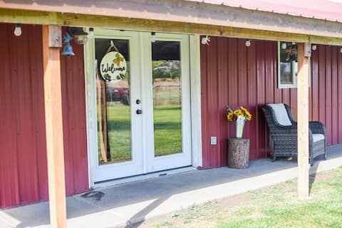 10 Acres Horse Ranch GETAWAY! Entire Apartment!