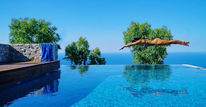 Villa Asterope Luxury Retreat - Car Included