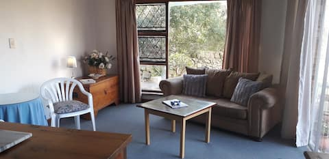 Crashing Waves Self-catering Unit 5mins from Beach