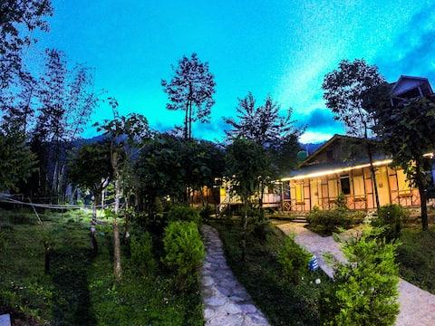 Eshab Homestay Cottages & Menchu Spa(KAADENMOOLEE)