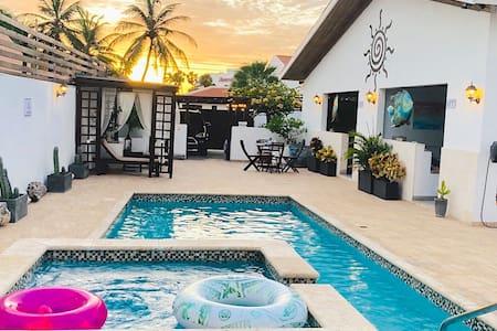 ARUBA@LAGUNITA~Garden view~Apto1~Marriott front