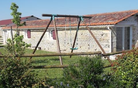 La Grange proche de La Rochelle, marais poitevin