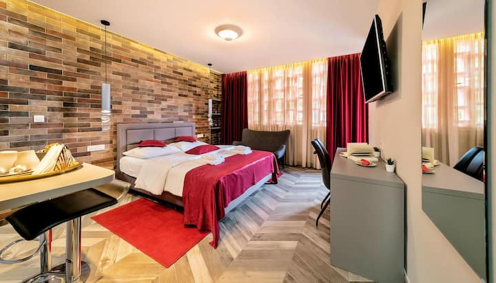 Il Giardino Luxury Rooms & Suites - Red Suite