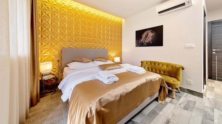 Il Giardino Luxury Rooms & Suites - Gold Room