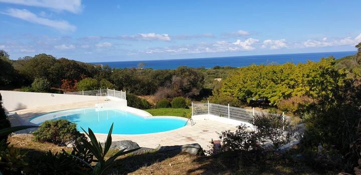 Maison 10 pers, proche mer, piscine commune